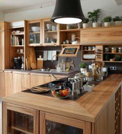 Naturholz-Küchen