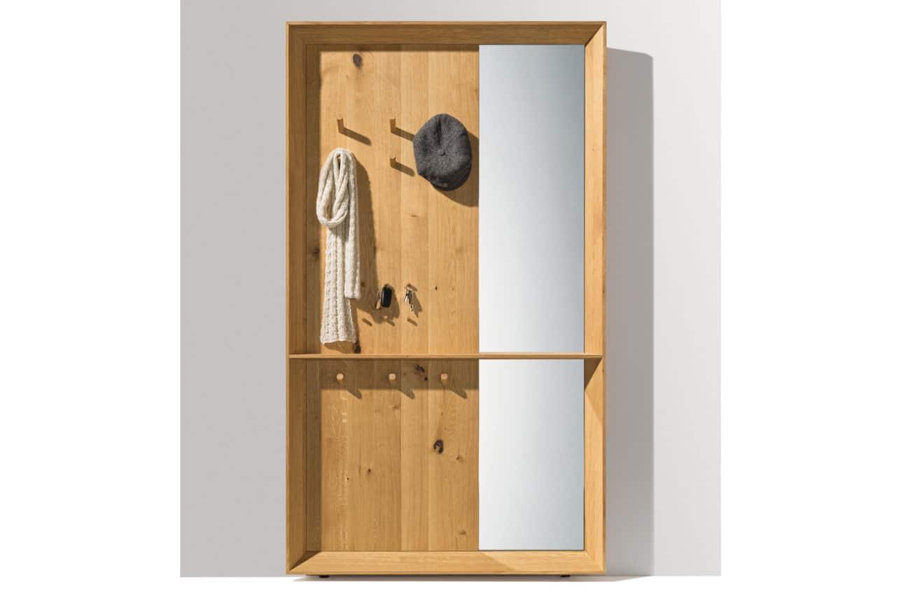 HAIKU Garderobe in Eiche als Kombipaneel mit Spiegel asymetrisch.