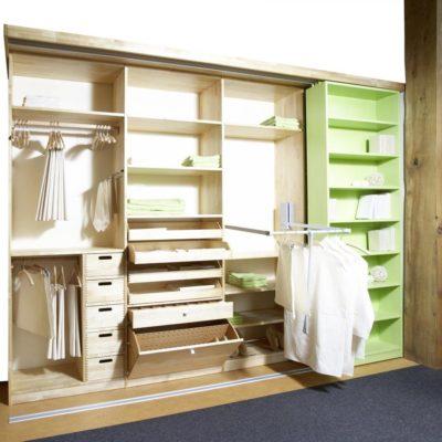 beispielhafte Inneneinteilung für begehbaren Kleiderschrank oder Einbauschrank