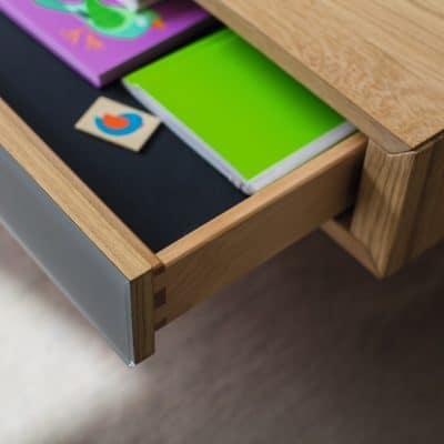 Schublade des Couchtischs Lift mit Glas mittelgrau.