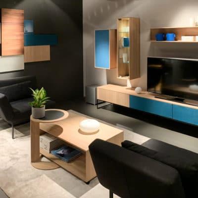 Team7 Wohnwand Filigno mit Metallgestell, Medienmöbel mit Akustikstoff metallic-blau